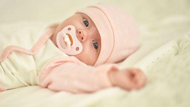 Lucruri ciudate (dar normale) despre nou nascutul tau