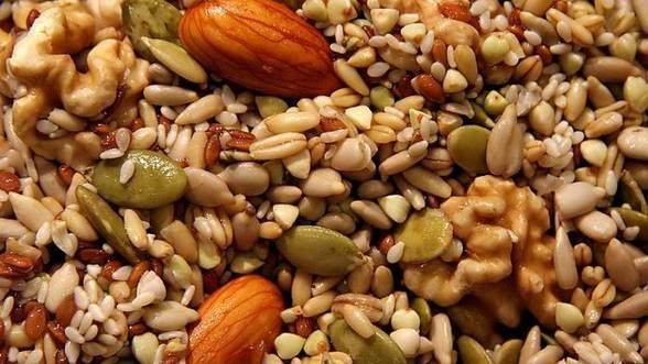 Semintele si nucile te ajuta sa slabesti fara efort