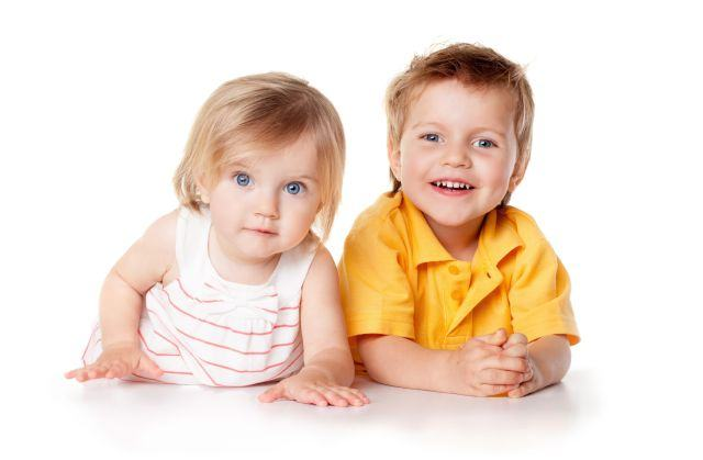 12 combinatii de nume pentru frate si sora