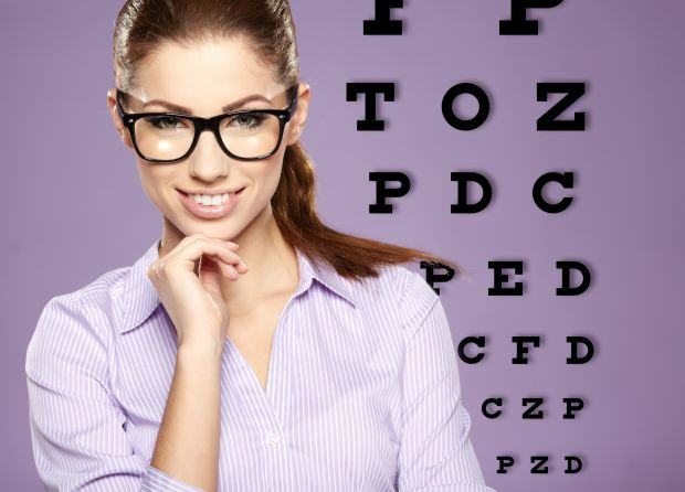 Trucuri de machiaj atunci cand porti ochelari
