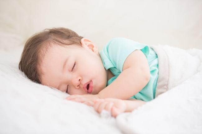 De ce ar trebui sa ne culcam copiii devreme, conform stiintei?