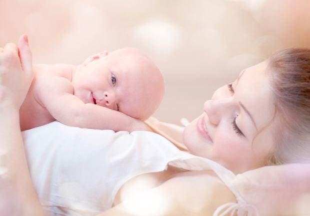 Ora magica dupa nastere - importanta pentru mama si nou-nascut
