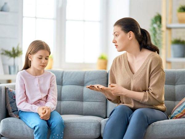 STUDIU!  Palmuirea copilului poate duce la depresie si tulburari mintale