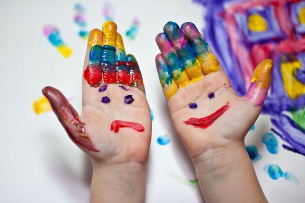 7 jocuri cu palmele pentru copii si nu numai