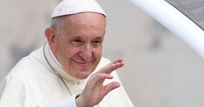"""Invataturile lui Papa Francisc. Cele 5 fapte care aduc FERICIREA. """"NU educa copilul sa fie BOGAT, ci fericit"""""""