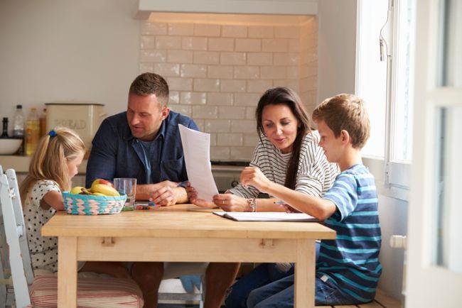 Parinte cu diploma - conteaza sau nu cursurile de parenting?