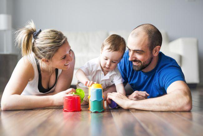 De ce copiii au nevoie sa se joace cu parintii lor?
