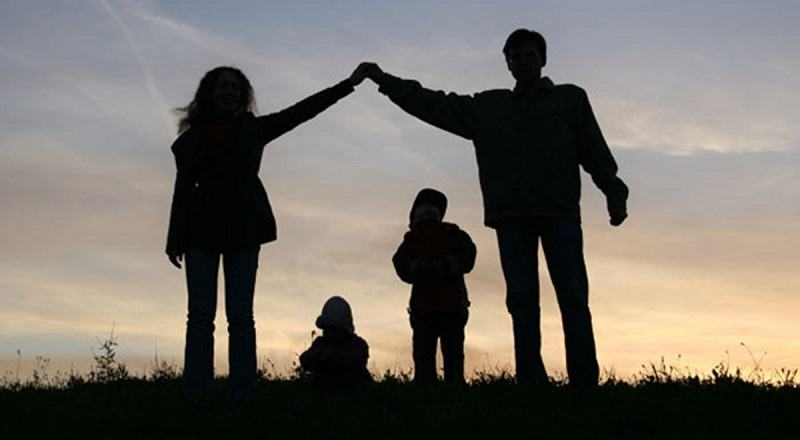 10 GRESELI pe care majoritatea parintilor le fac si apoi REGRETA