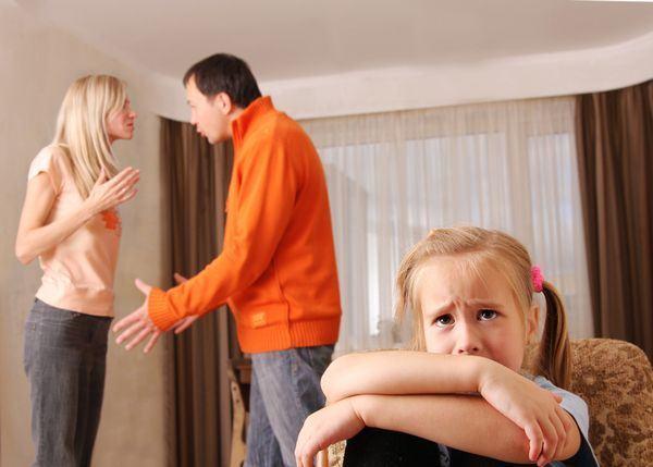 5 greseli pe care le fac parintii divortati