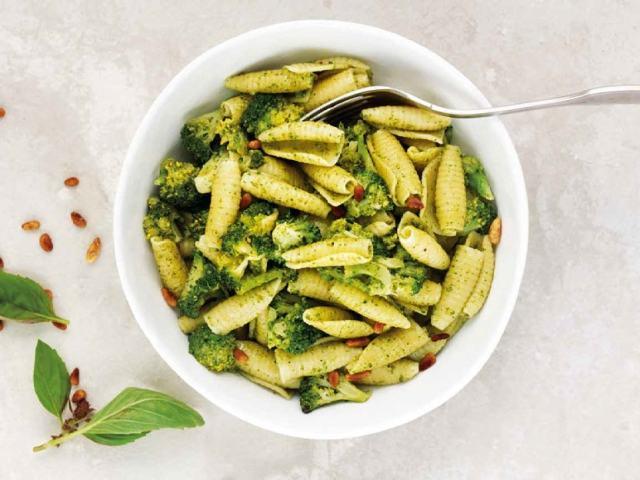 Paste cu pesto si broccoli