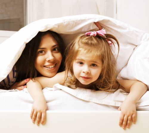 Cel mic este pregatit sa se mute intr-un pat pentru copii? Descopera ce trebuie sa stii despre aceasta tranzitie