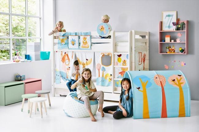 Care sunt obiectele de mobilier din camera copilului in care chiar merita sa investesti