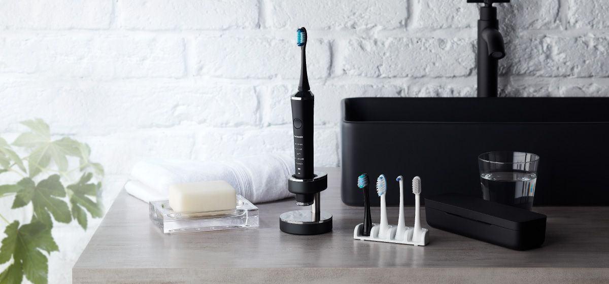 Cand si cum imi invat copilul sa se spele pe dinti?