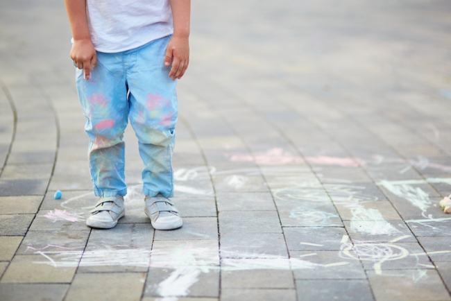 Cum scoti diferite pete de pe hainele copilului