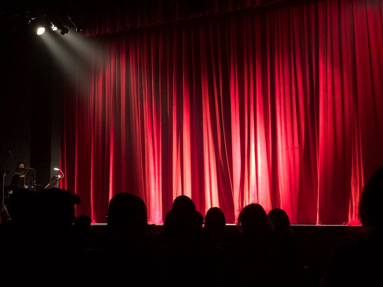 Beneficiile teatrului in dezvoltarea copilului mic