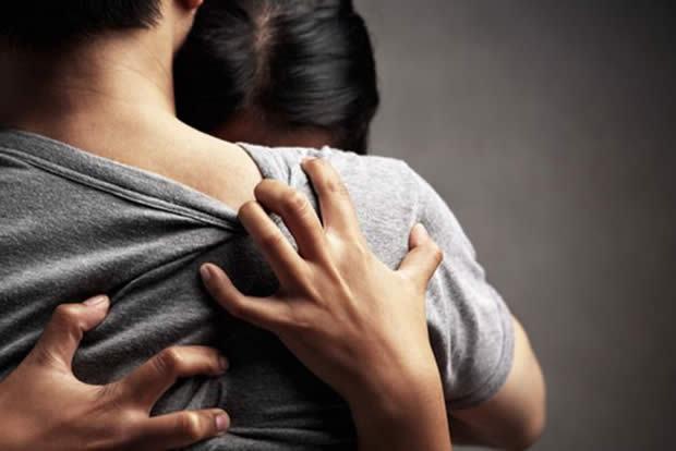 Cum poti fi alaturi de o femeie care a pierdut o sarcina