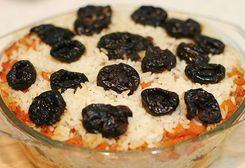 Pilaf de orez cu prune afumate