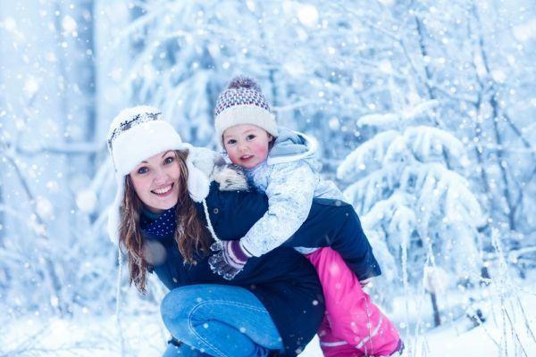 Plimbarea bebelusului iarna, ce reguli trebuie sa respecti?