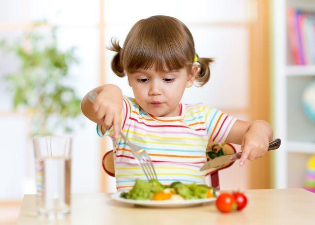 Scaderea poftei de mancare la copiii mici, cauze si solutii