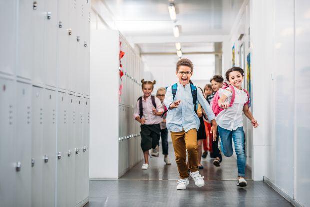 Cum ajutam copiii sa scape de stresul primei zile de scoala? Nimic mai simplu!