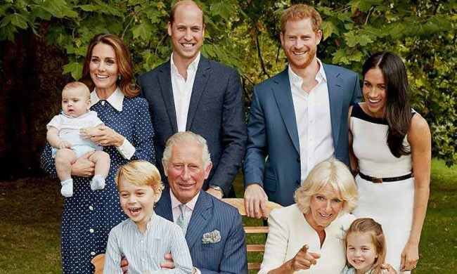 Printul Louis seamana leit cu Kate Middleton cand era bebelus. Pozele stau marturie
