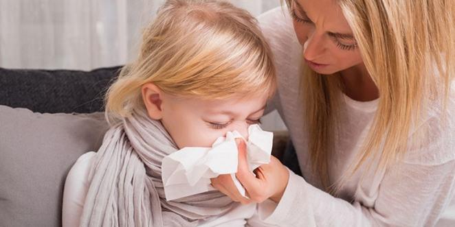 Au aparut primele cazuri de gripa din acest sezon! SFATURI pentru tratarea gripei la copii