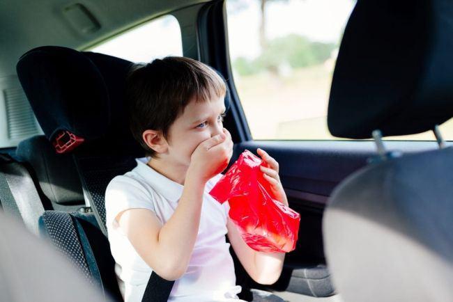 Explicatia neobisnuita pentru senzatia de rau in masina. Creierul crede ca este otravit