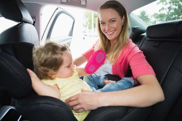 Scaunele pentru masina rear-facing - avantaje si dezavantaje
