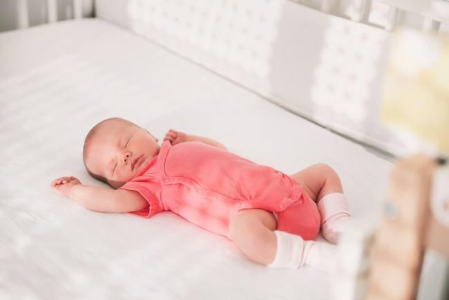 Reflexul Moro la nou nascut