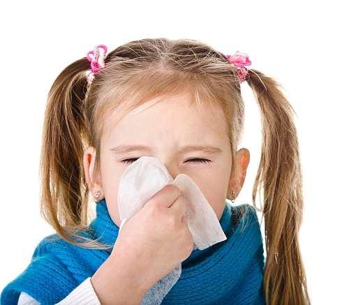Rinita alergica. Sfaturi pentru parintii ai caror copii sufera de alergii