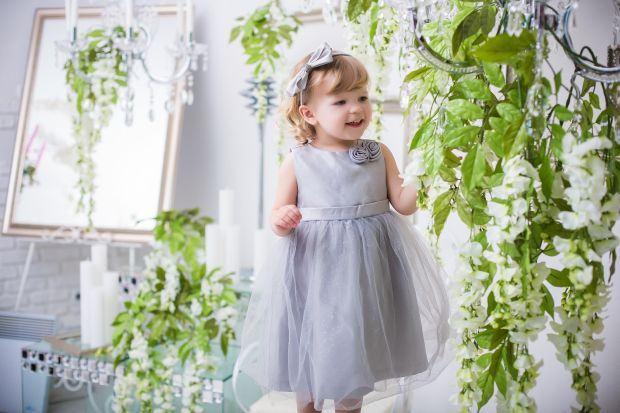 Sfaturi pentru tatici: cum sa cumparati rochite pentru fetite