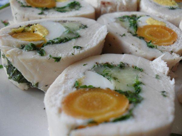 Rulouri din piept de pui cu morcov si ou