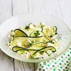 Salata de castraveti cu telemea
