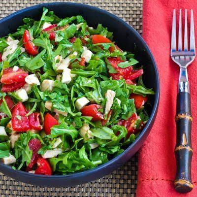 Salata cu rucola si piept de pui