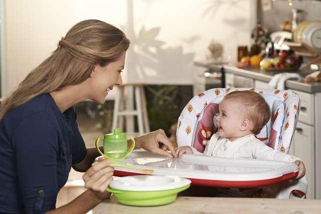 3 caracteristici esentiale in alegerea scaunului de masa pentru copilul tau