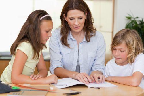 Mituri despre copiii scoliti acasa