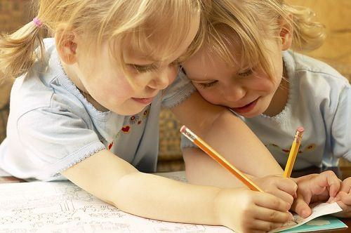Semne care indica probleme cu scrisul la copii