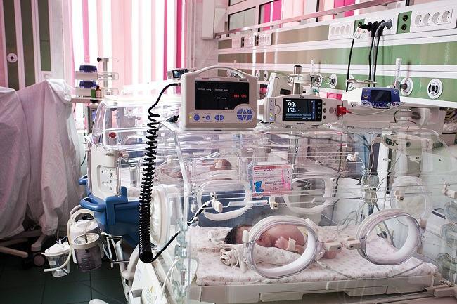 Rata mortalitatii infantile in Romania. Judete in care mor de trei ori mai multi copii fata de Bucuresti