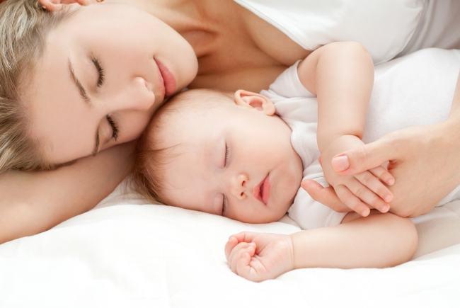 Cata nevoie de somn are copilul