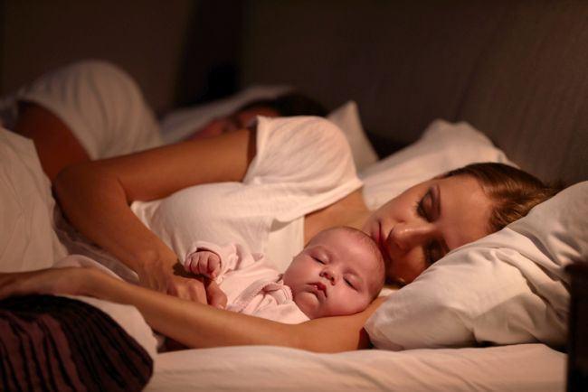 Trucuri inedite prin care iti poti face bebelusul sa doarma toata noaptea