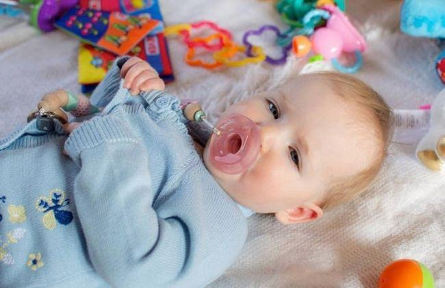Lucruri pe care un pediatru nu le-ar face niciodata cu un nou-nascut, dar mamele le fac tot timpul