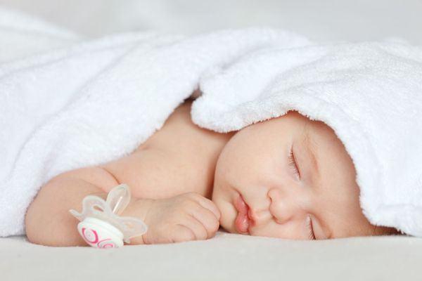Programul de somn la bebelusi