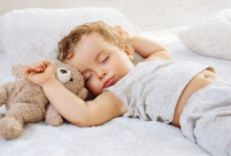 De cat somn are nevoie copilul in functie de varsta?