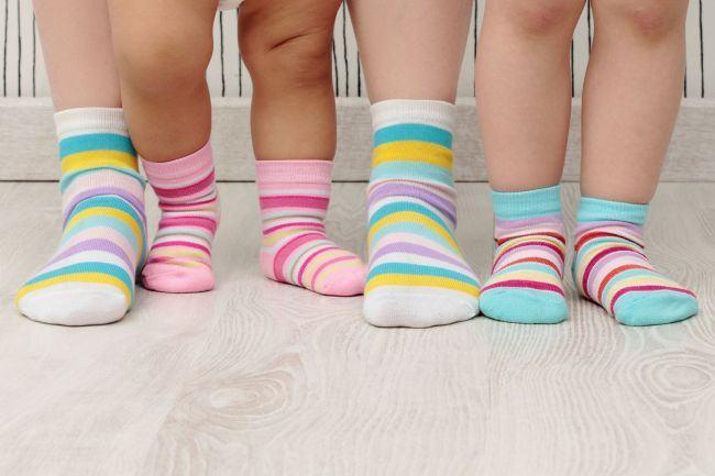 Reziduurile toxice, pericolul ascuns din sosetele pentru bebelusi