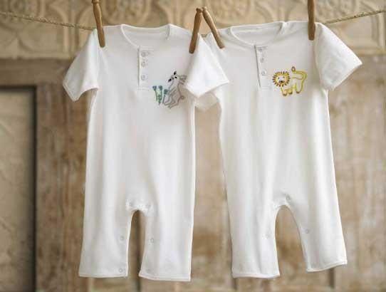Cum sa cureti si sa intretii hainele bebelusului