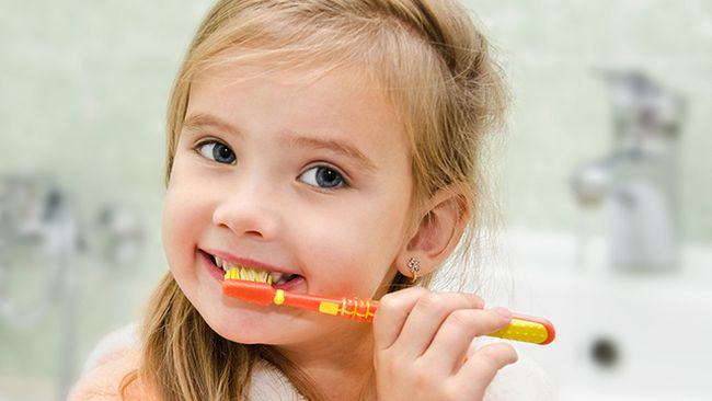 Cum se spala pe dinti copiii, in functie de varsta