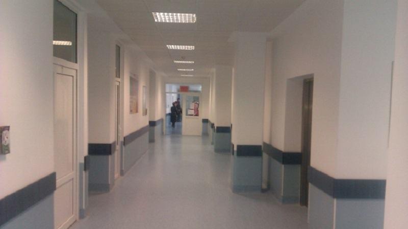 Medic acuzat ca a bruscat o fetita de 5 ani in  timpul unui control