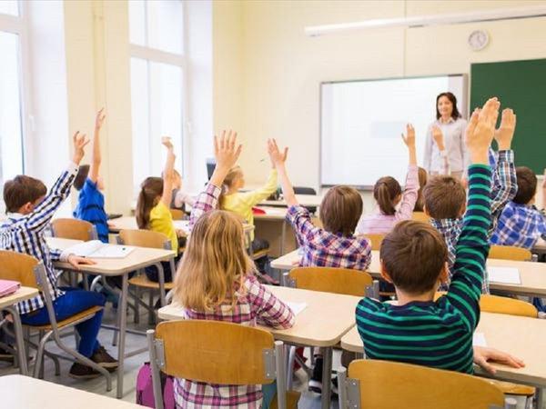 Este lege! Profesorii vor putea aplica sanctiuni disciplinare elevilor.