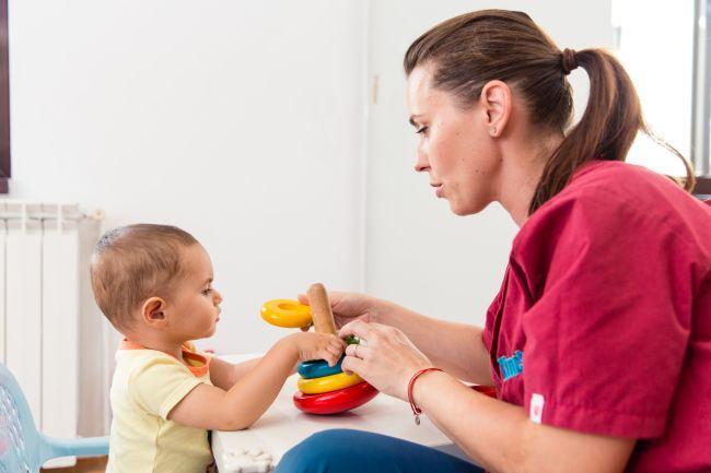 Ce jucarii folosim pentru stimularea motrica a  bebelusului