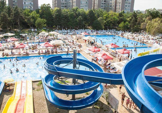 Strandul Moghioros a fost inchis, dupa ce 7 copii au ajuns la spital. Ce au descoperit autoritatile